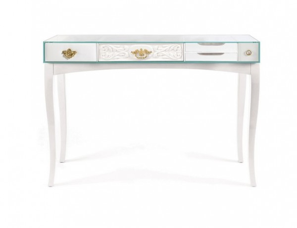 White Console Table for a Living room Design (5)