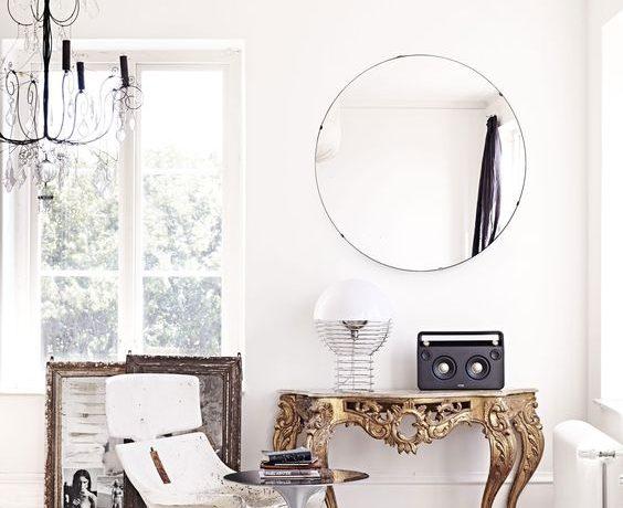 antique console modern interior