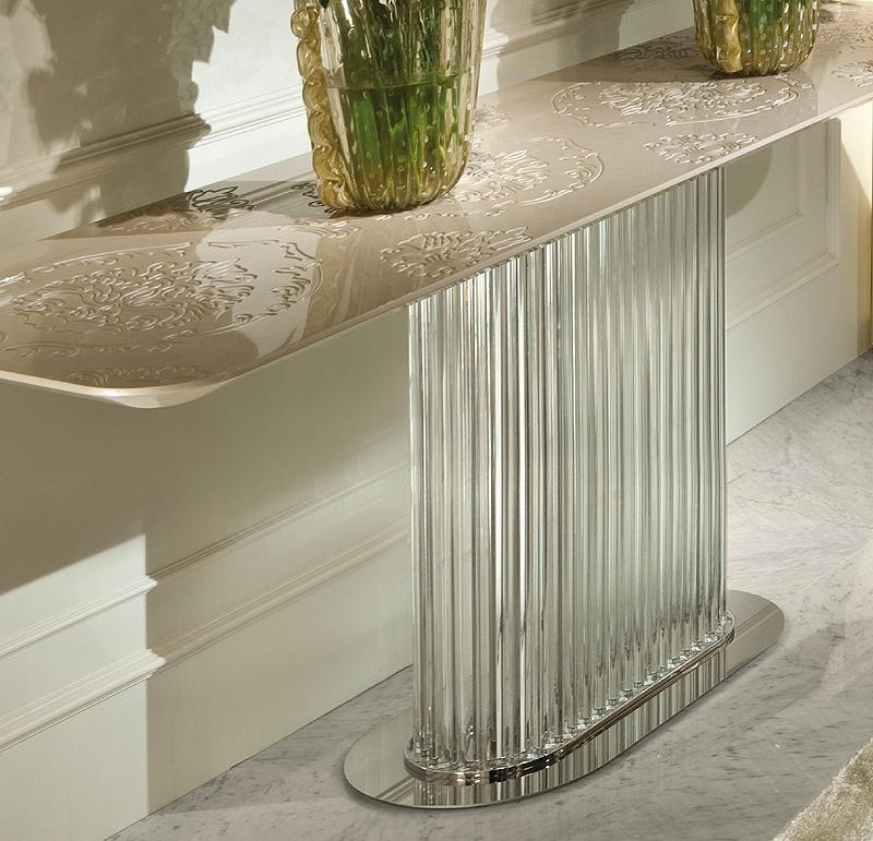 taylor llorente 10 Elegant Console Tables Designed by Taylor Llorente murano glass console 2