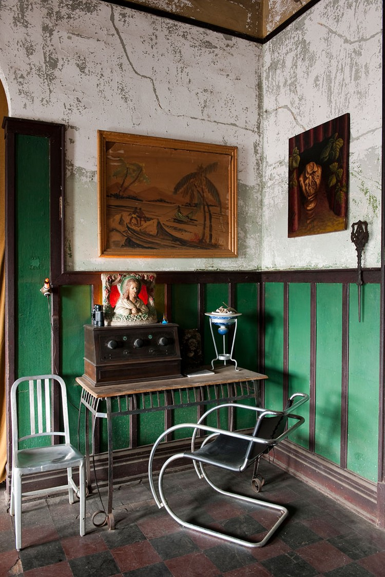 inspirationAn-Abandoned-Men-s-Club-Is-Now-a-Home-photo-by-Robert-Rausch-of-GAS-Design-Center-Image-Courtesy-of-The-New-York-Times-yatzer-16 console table Uncompromising Console Table Ideas by Gestalten inspirationAn Abandoned Men s Club Is Now a Home photo by Robert Rausch of GAS Design Center Image Courtesy of The New York Times yatzer 16