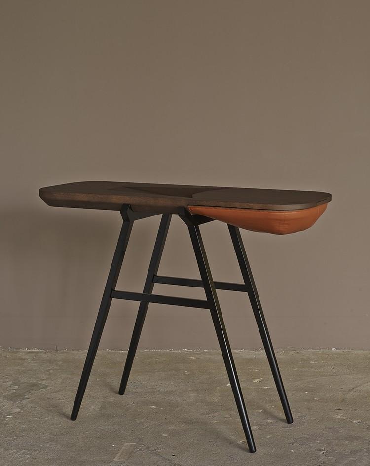prancuz balka-CP-01 console table Two Amazing Modern Console Tables By Gregoire de Lafforest prancuz balka CP 01