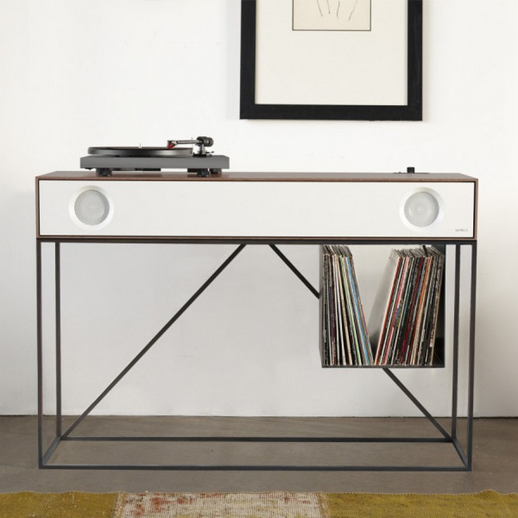 Symbol Stereo Console Has An Audio Component