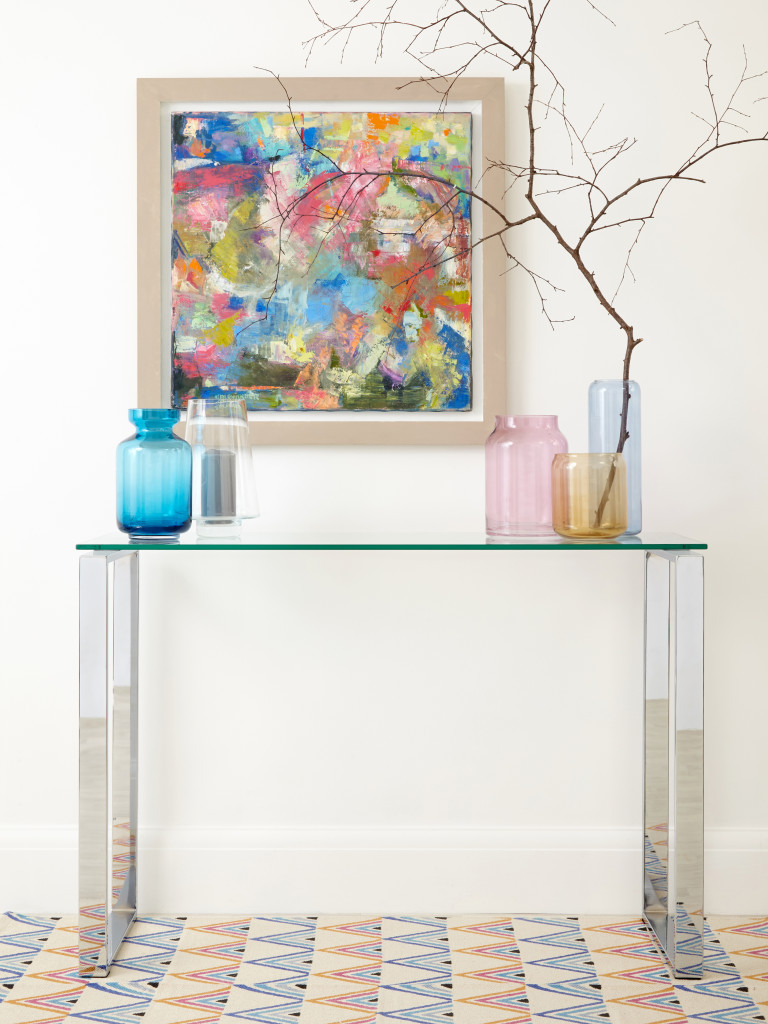 stalas console table How To Decorate Your Home With a Glass Console Table Tiva Console Table 05 768x1024