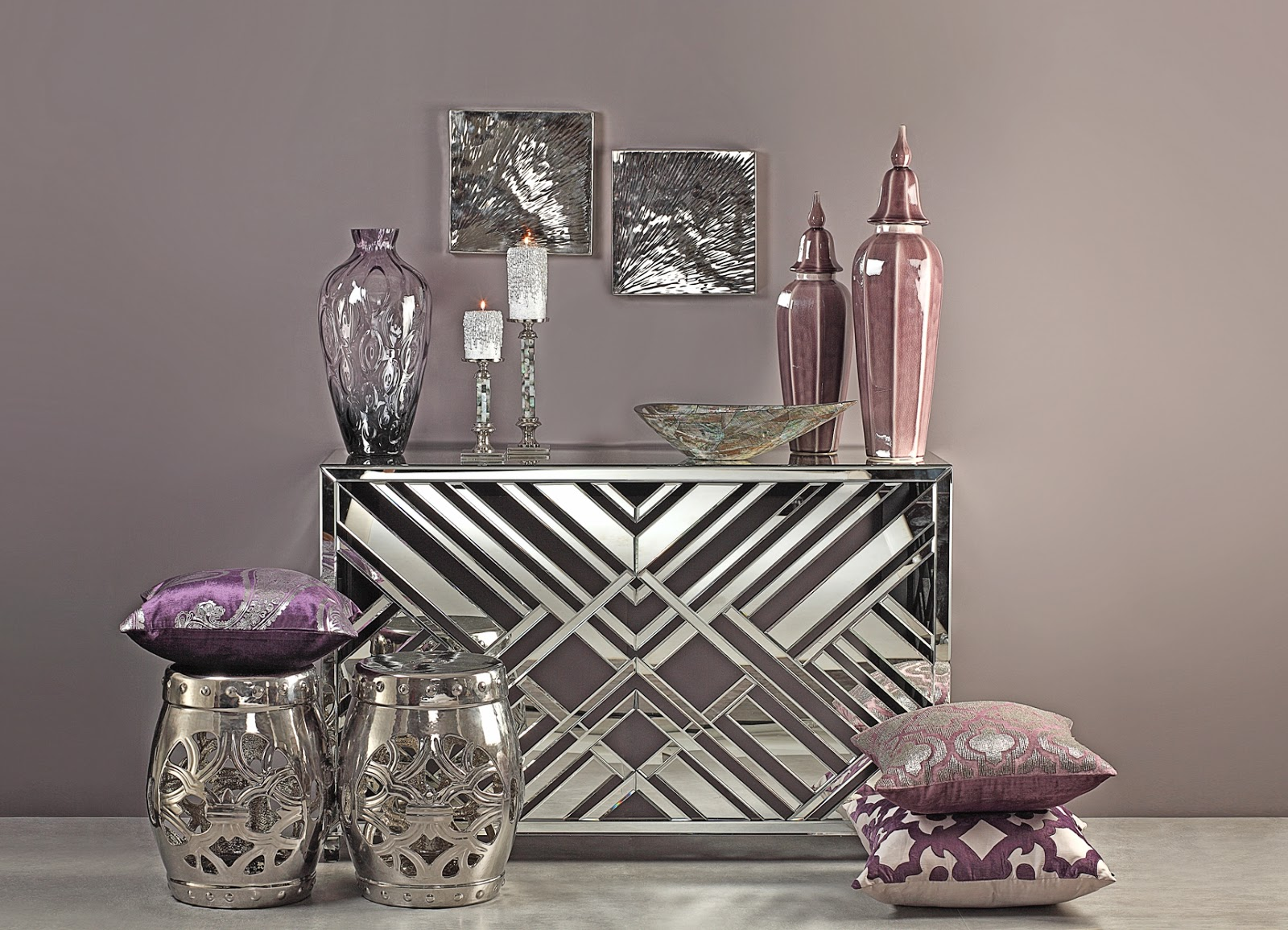 Console Table The Best Accessories for Your Modern Console Table luxury home decoration accessries 1