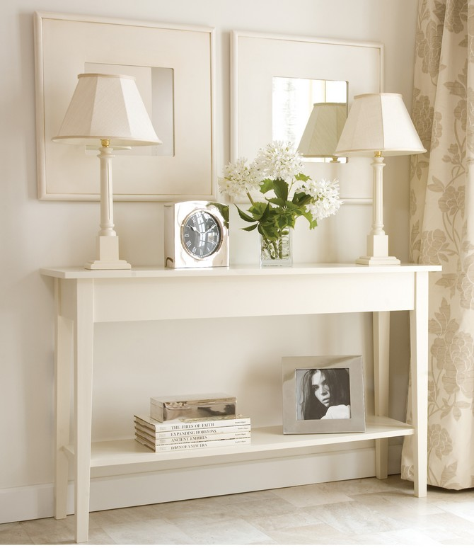 modern console table how to decorate your modern console table