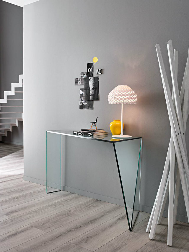 Console Table 5 Ways to Choose the Lighting for Your Modern Console Table Exquisite writing desk in glass can also be used as a great decorative piece