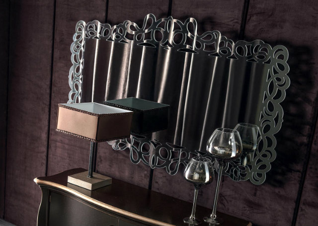 Console Table Luxury Mirrors, The Perfect Combination for a Modern Console Table pigalle specchiera 1