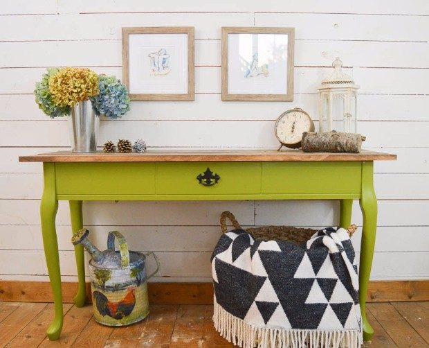 console table The perfect colors for your Console Table Harvest Themed Console Table with PARA Paints Avocado Shake Green e1492092951199