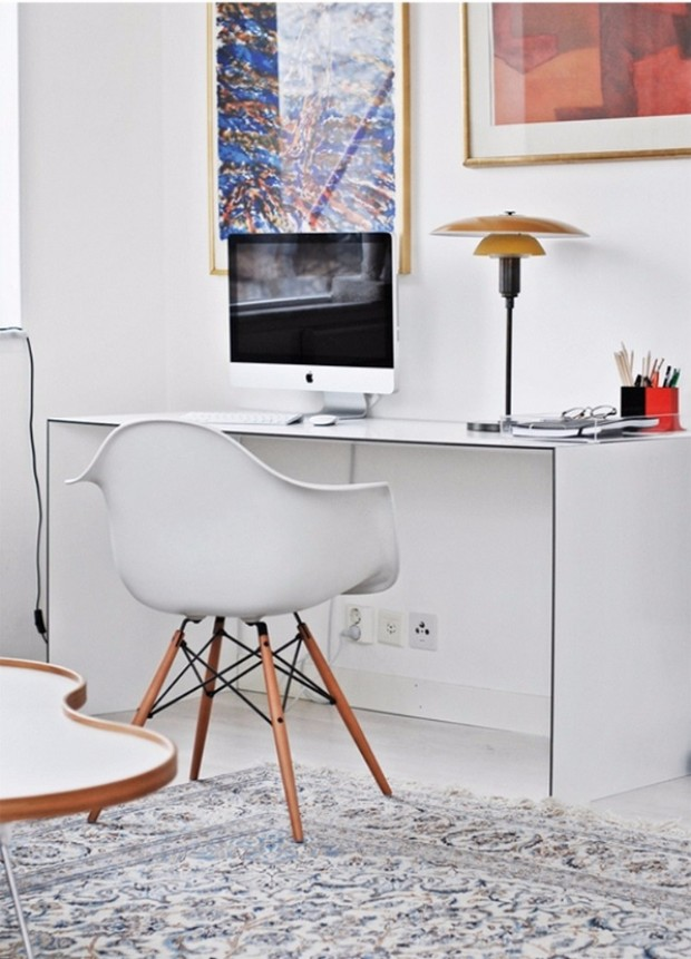console table Striking Perfect Console Tables for your Home Office office classical scandinavian house with a mid century touch 3
