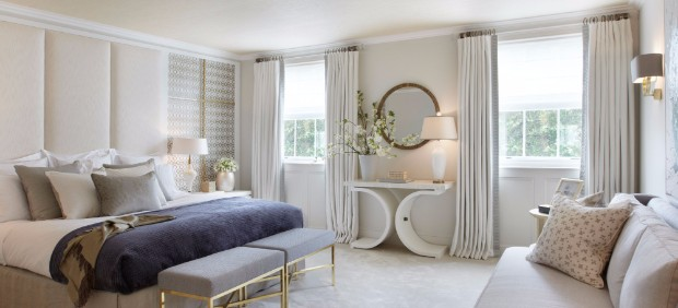console table Amazing Console Table Designs by Helen Green 9 HELEN GREEN DESIGN TOWNHOUSE APARTMENT BELGRAVIA MASTER BEDROOM