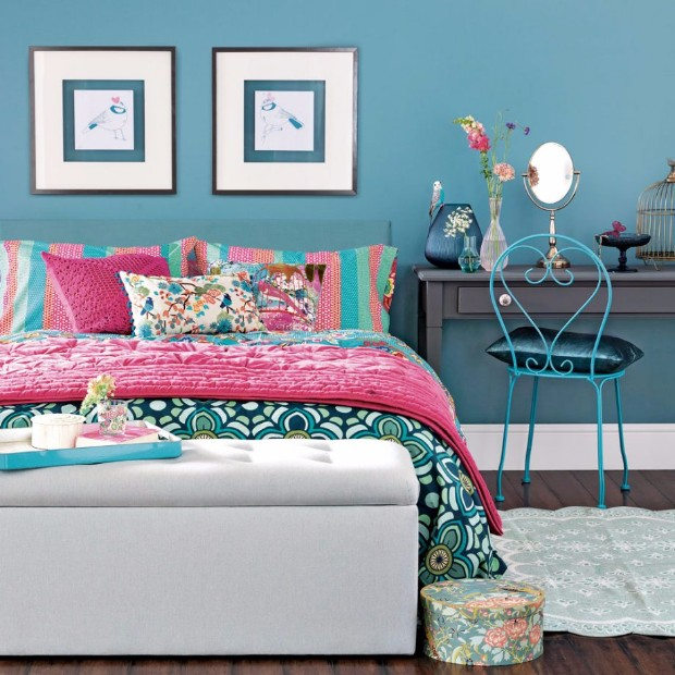 console table Style your Kids Bedroom with Console Tables Bright floral bedroom with teal walls