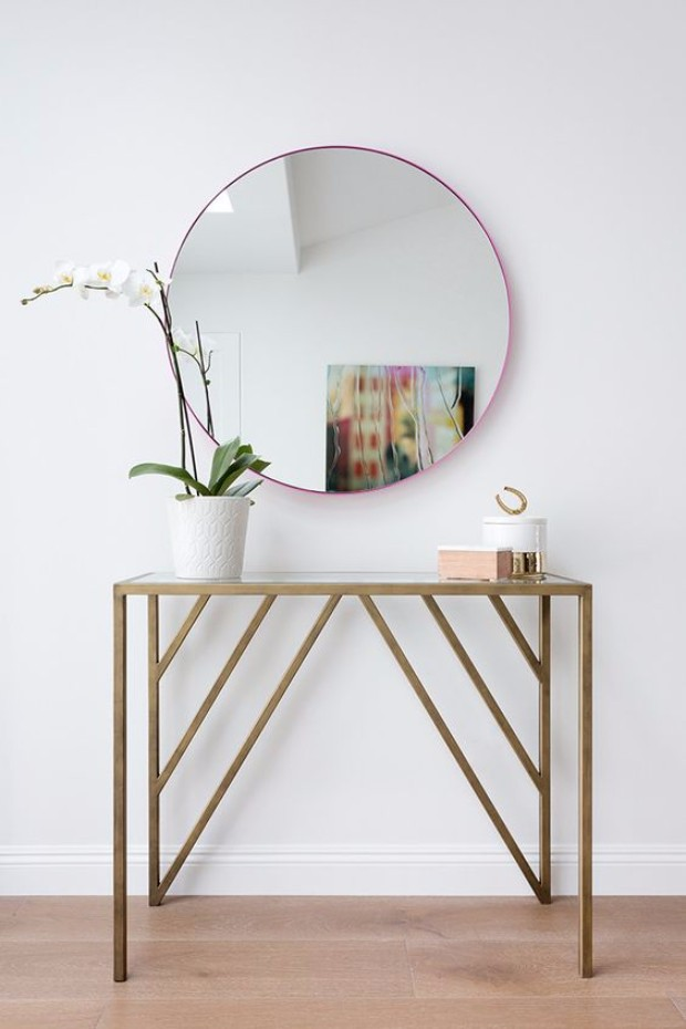 minimalist Minimalist Interior Designs with Striking Console Tables af39831f4864761f08eaa439a7a3cf96