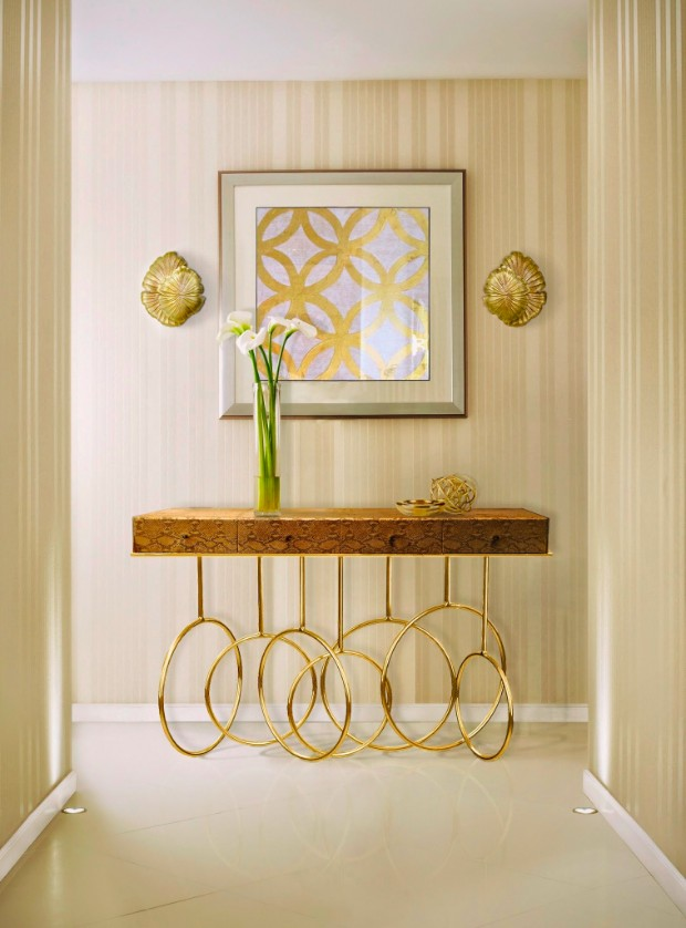 console table Lighting Ideas to Match your Console Table burlesque