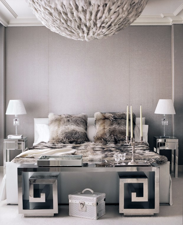master bedroom Stylish Console Tables for Your Master Bedroom C MAR HOUS 06 2000