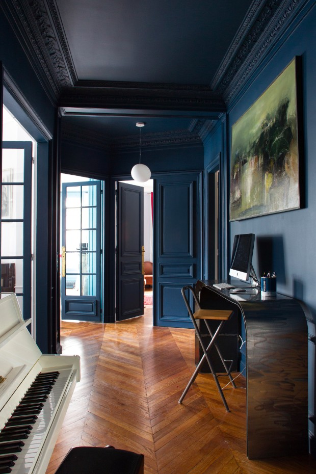 "color trends Color Trends 2017: ""Millennial Black"" Entree bleu fonce Gardette 2013 2"