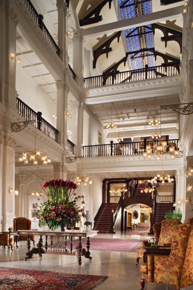 exclusive hotels exclusive hotels Exclusive Hotels Design Ideas with Console Tables Exclusive Hotels Design Ideas with Console Tables Raffles Hotel Lobby