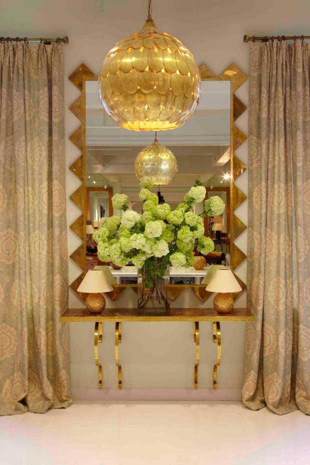 flower arrangements Eye-Catching Flower Arrangements for your Console Turkish Blossom