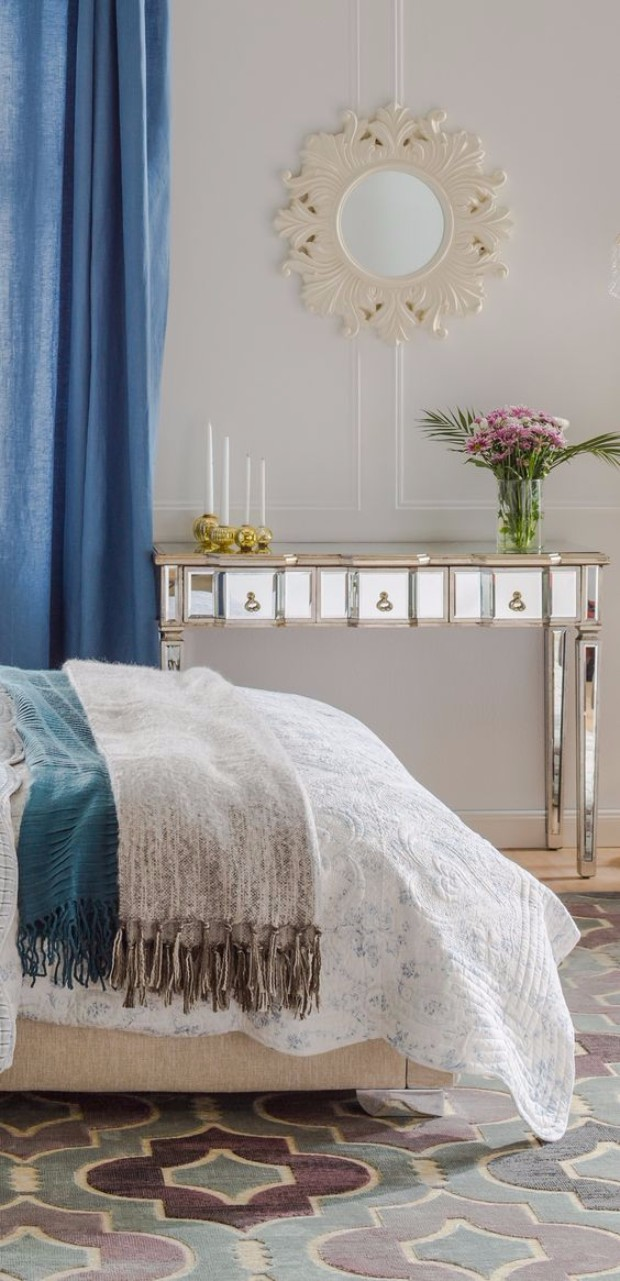 silver console table 10 Silver Console Tables You Must Have a623b9116b86575b32f3e08474335537