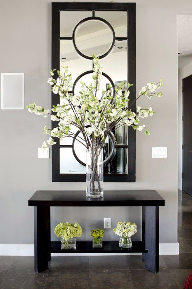 flower arrangements Eye-Catching Flower Arrangements for your Console ecb29149ae7611fc69c538293ddc9afe