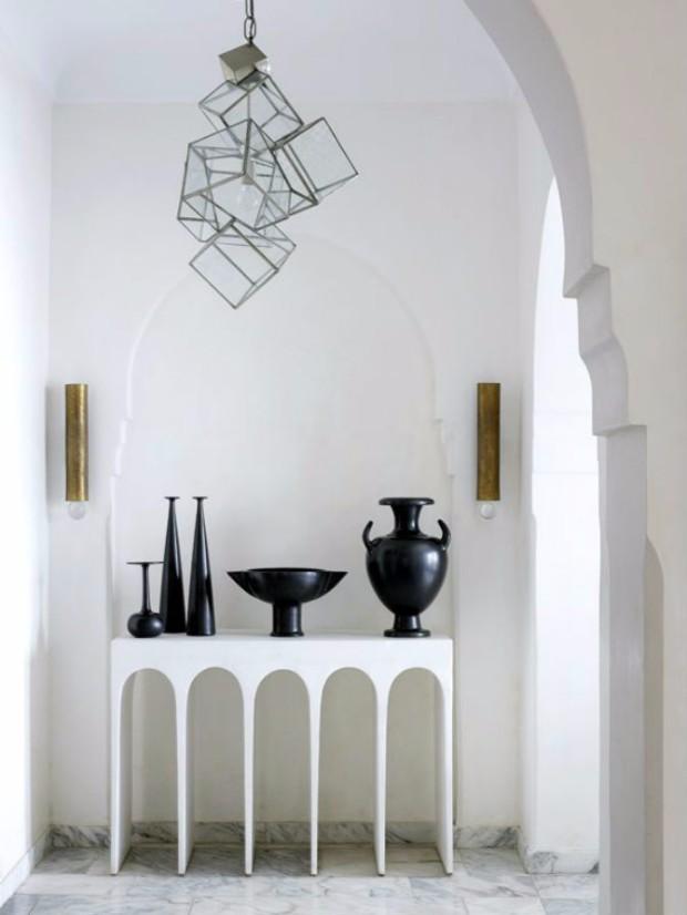 white interior design All in White Interior Design with Consoles All in White Interior Design with Consoles 03