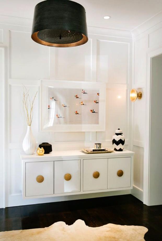 white interior design All in White Interior Design with Consoles All in White Interior Design with Consoles 04