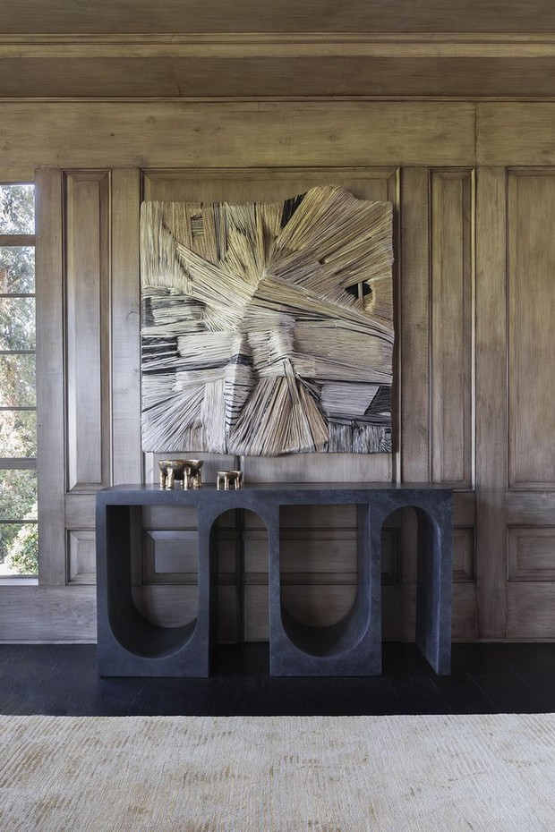 foyer design foyer design 15 Console Tables for a Luxury Foyer Design 5b64af651136ae0870ba1dbfb2017d92 kelly wearstler interiors wood stain