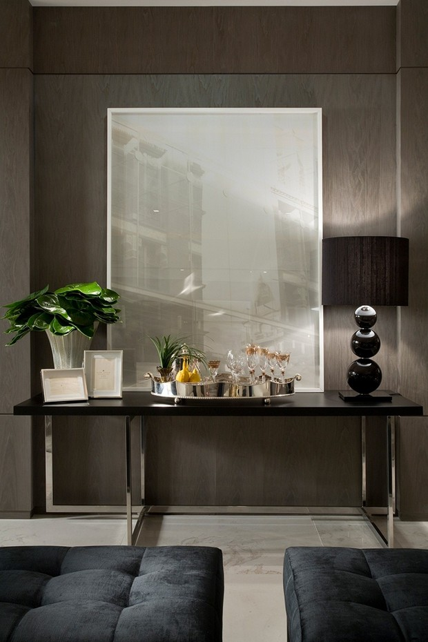 foyer design Foyer Design 15 Console Tables for a Luxury Foyer Design Christina Hamoui Especial