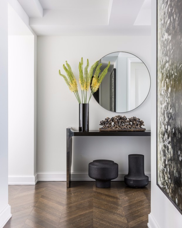 foyer design 15 Console Tables for a Luxury Foyer Design Greenwich Village Residence     New York NY Kelly wearstler
