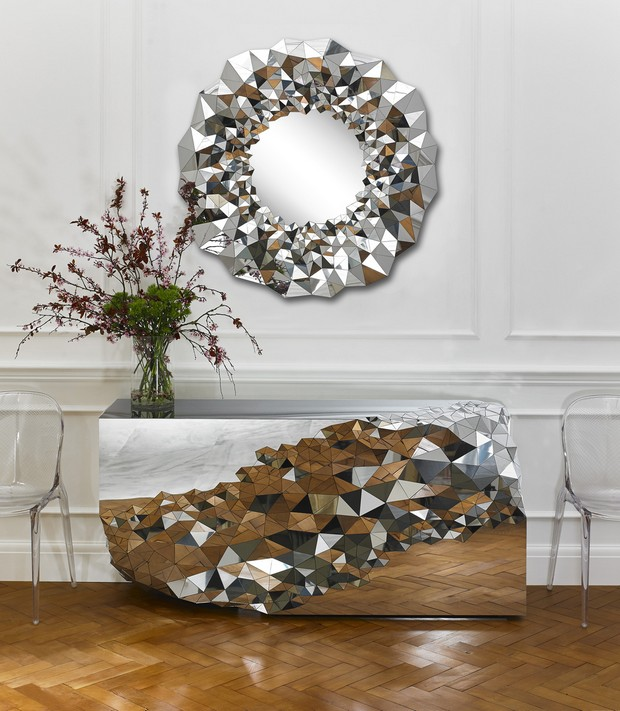 console table designs Perfect match: mirrors and console table designs StellarmirrorandConsole JakePhipps HRlifestyle