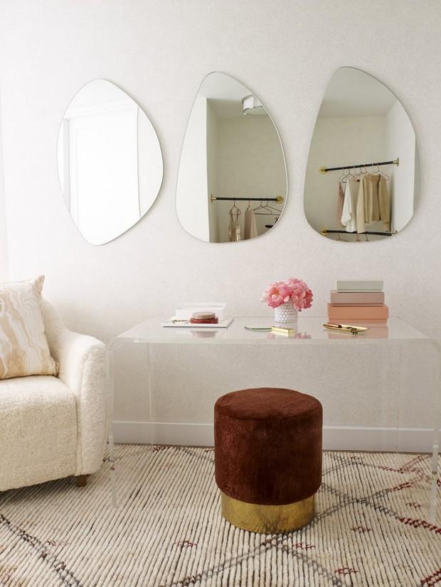 foyer design 15 Console Tables for a Luxury Foyer Design StudioDB OneVandamPHA DressingRoom consola