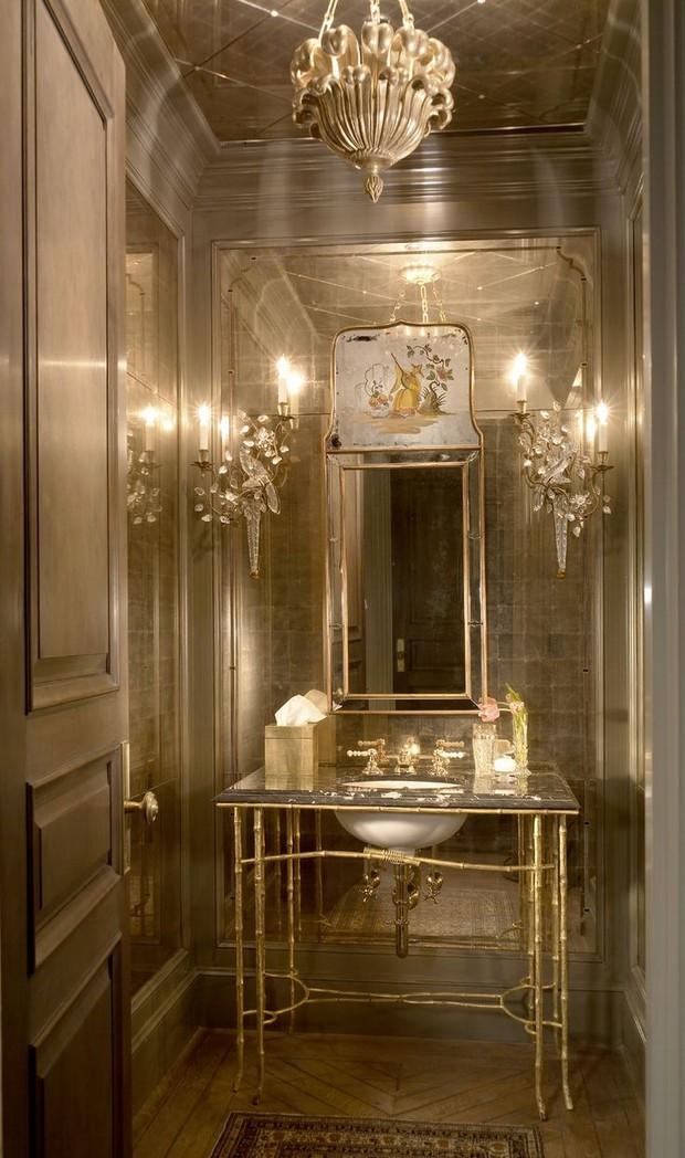master bathroom Modern Console Tables for a Luxury Master Bathroom b204f0269307450b2edecd0918d2df3c jewel box beautiful bathrooms