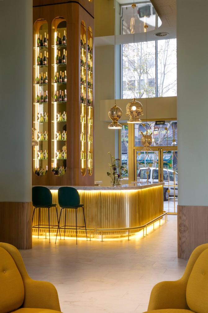 hotel lobby design Editor's Choice: Hottest Hotel Lobby Design 2017 Barcel   Torre de Madrid Hotel