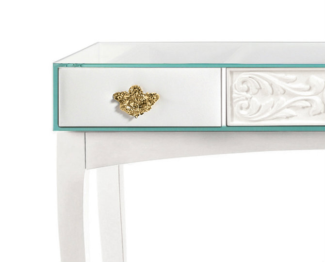 console table The Concept Behind The Soho Console Table detail
