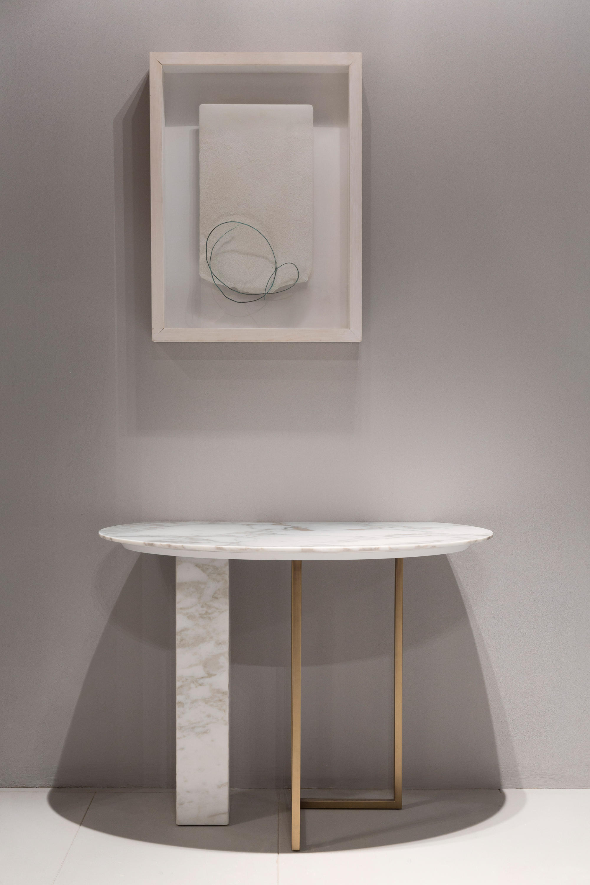 marble console table 10 Unparalleled Marble Console Tables 3 10 Unparalleled Marble Console Tables 1