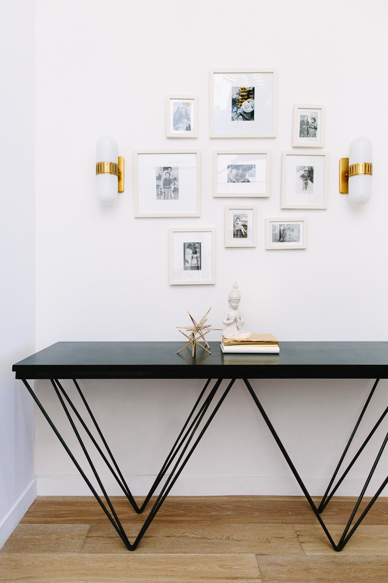 black console table black console table Most Beautiful Black Console Tables You Can Find 9 Most Beautiful Black Console Tables You Can Find