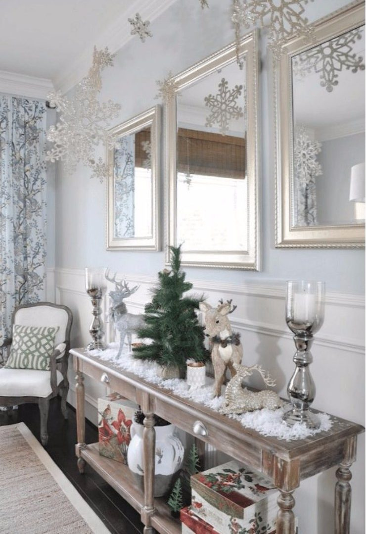 christmas season Perfect Entryway Décor for the Christmas Season Perfect Entryway De  cor for the Christmas Season9 e1512391429491