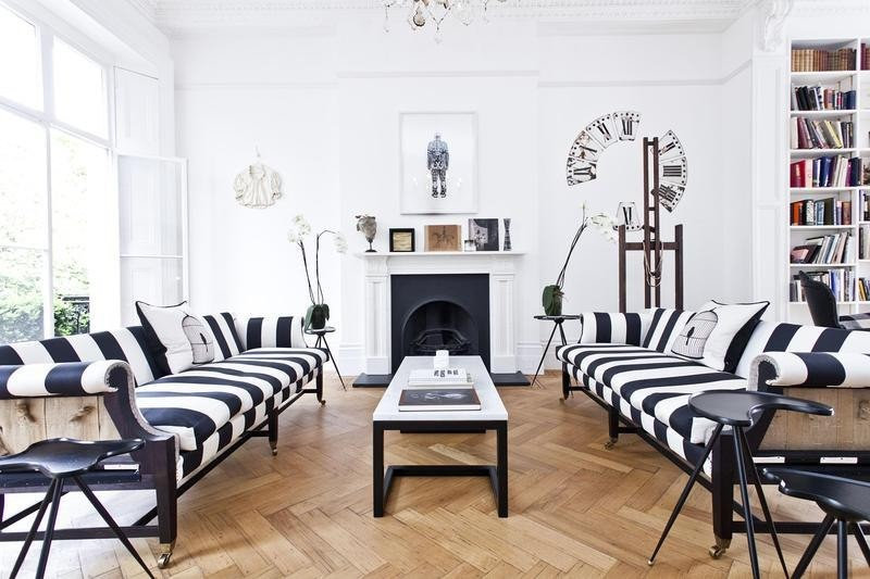 Living Room Design inspiration: Black and White Living Room Design inspiration Black and White Living Room16