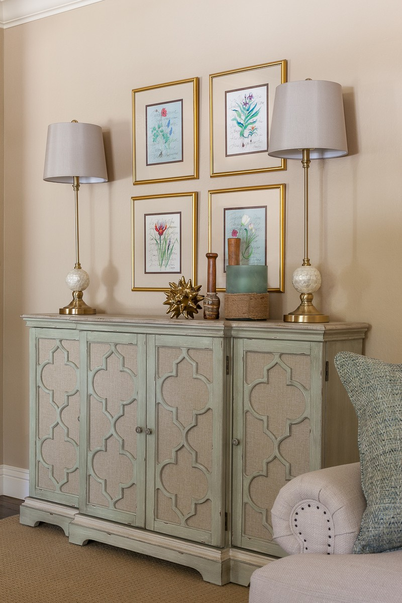 console table Top Ideas to Arrange Art Above a Console Table Top Ideas to Arrange Art above Console Table9