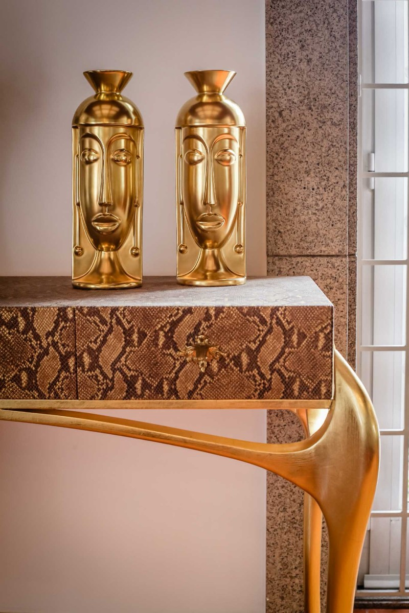 console table console table Luxury Objects for Decorating Your Console Table Luxury Objects for Decorating Your Console Table 5