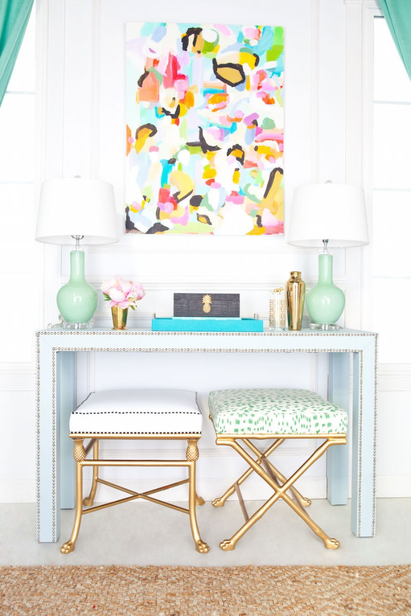 console table How to Turn your Console Table Into a Summer Anthem How to Turn your Console Table Into a Summer Anthem 5