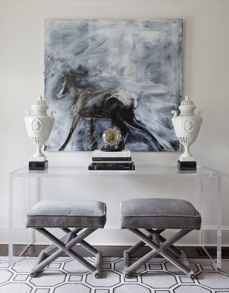 benches Two Benches Below a Console Table: the Trend That You Need To Know Two Benches Below a Console Table the Trend That You Need To Know 4