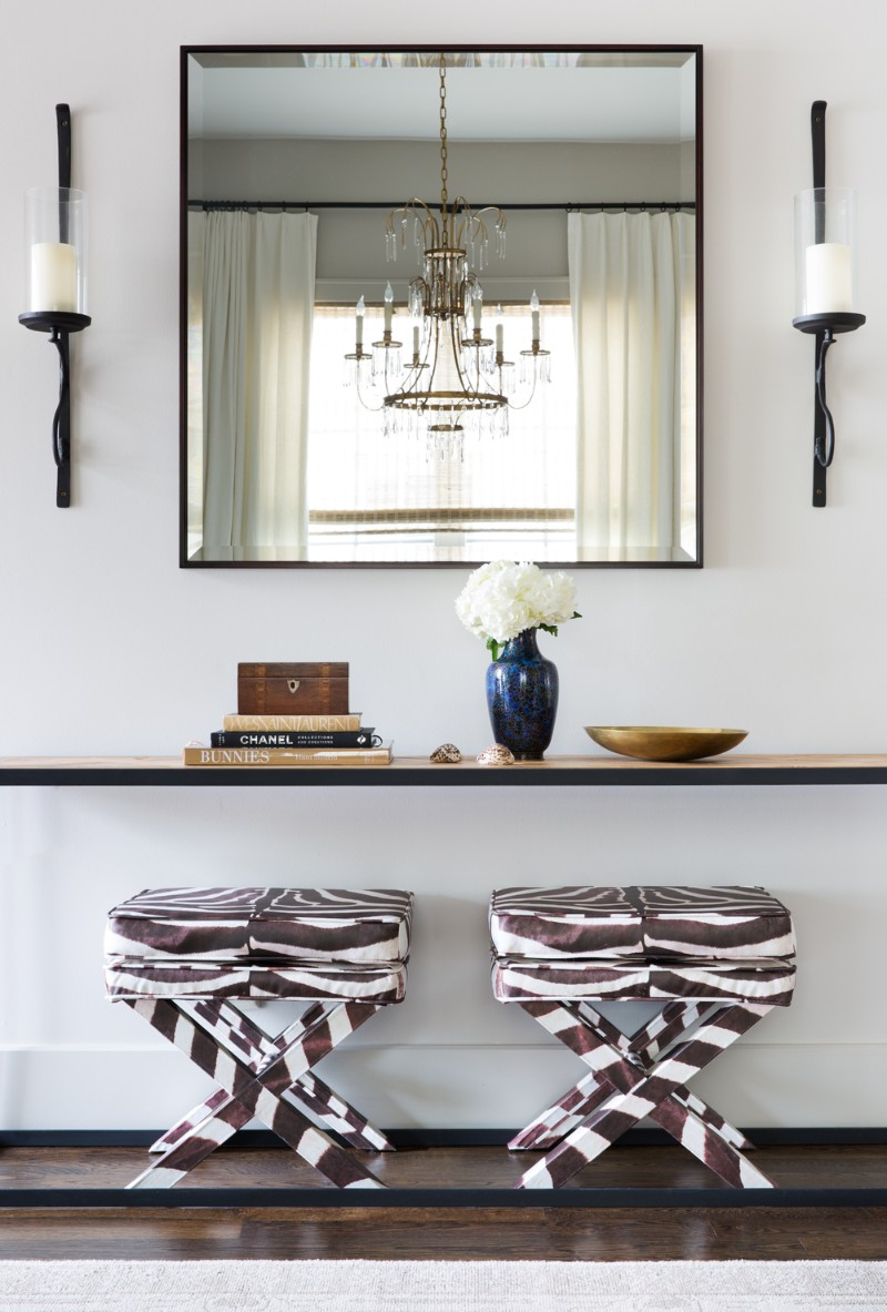 benches Two Benches Below a Console Table: the Trend That You Need To Know Two Benches Below a Console Table the Trend That You Need To Know 9