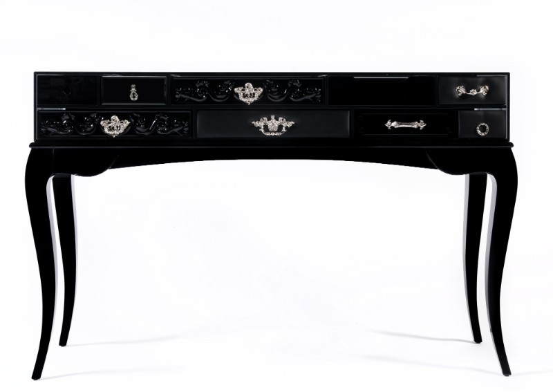 black console tables Black Console Tables and Sideboards For The Most Luxury Home Decor new york