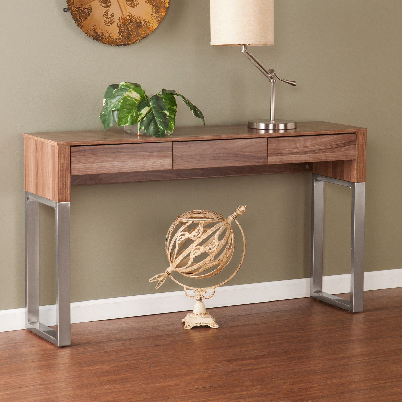 console table Spice Up Your Console Table Decor With Houseplants Spice Up Your Console Table Decor With Houseplants 6 1