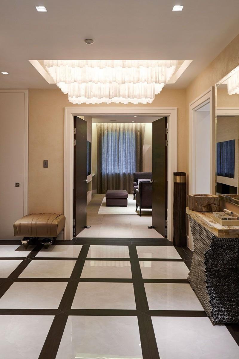 entryway decor ideas 10 Entryway Decor Ideas With Dramatic Lighting keir townsend 1525111357
