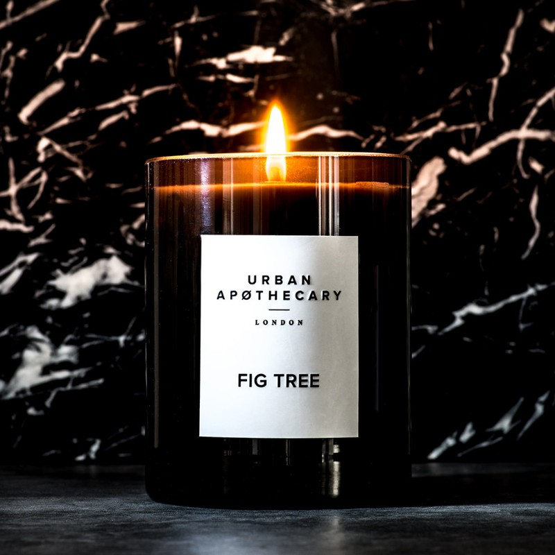 Luxury Candles to Brighten Up your Modern Console Table luxury candles Luxury Candles to Brighten Up your Modern Console Table t  l  chargement 4