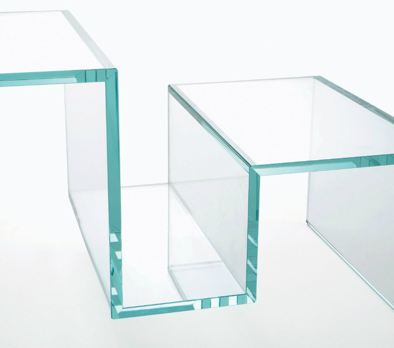 interior design These Glass Consoles Will Reach The Apogee of Your Interior Design TORRI glas italia 2 1