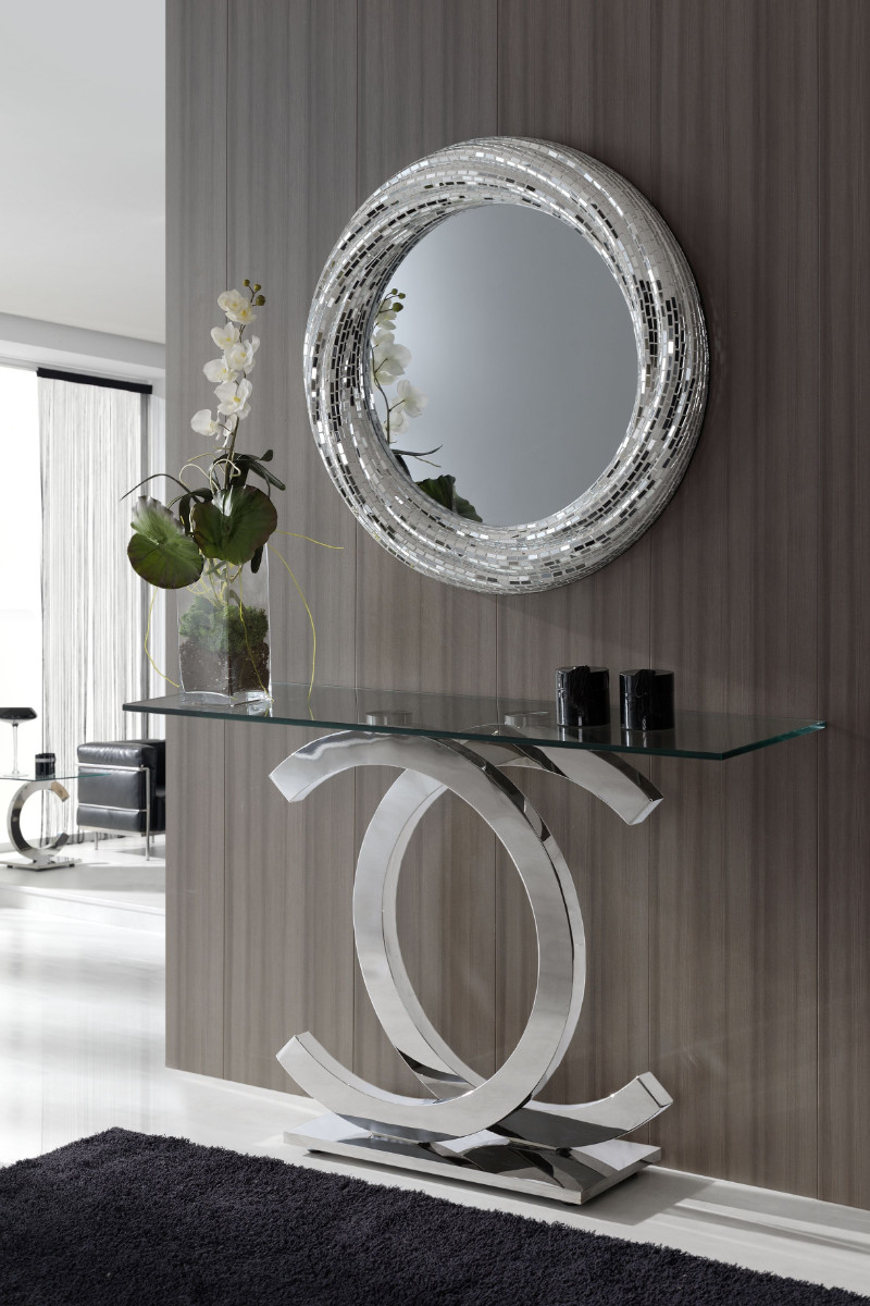 wall mirror How a Wall Mirror Can Bring a Glamorous touch to Your Console Table pic3