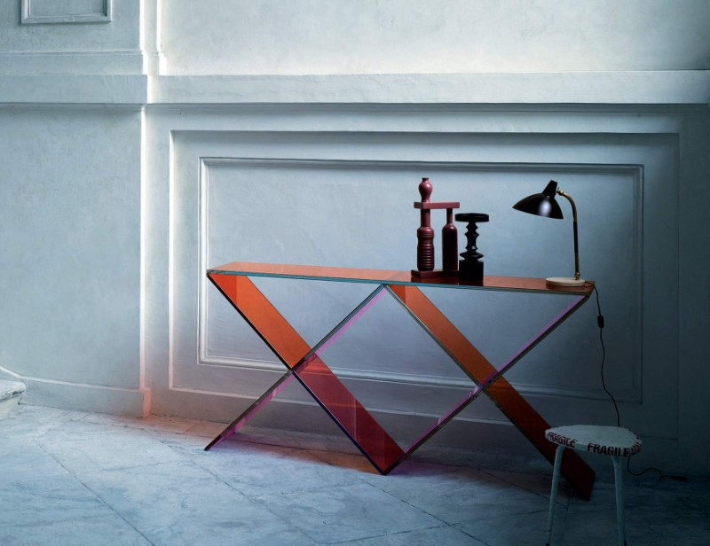 modern console tables, interior design, design ideas, luxury brand, modern furniture, luxury brand, project, masterpiece, glass table, console table interior design These Glass Consoles Will Reach The Apogee of Your Interior Design xx glas italia 1