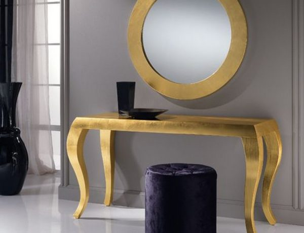 modern console tables 5 Modern Console Tables To Die For die2c5654f8c936c4c948a3a1860d62a84e 600x460